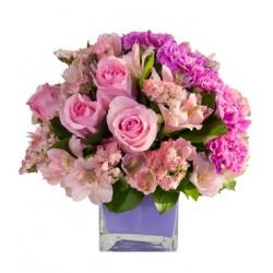Rosas rosadas y alstroemeria